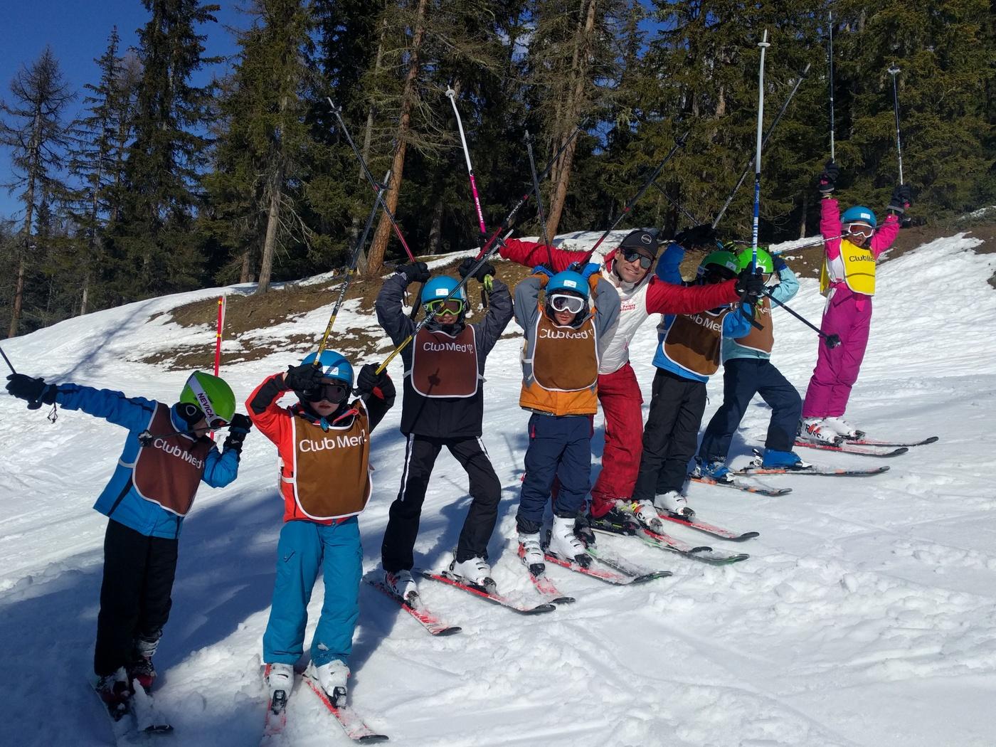 סקי ילדים בקלאב מד