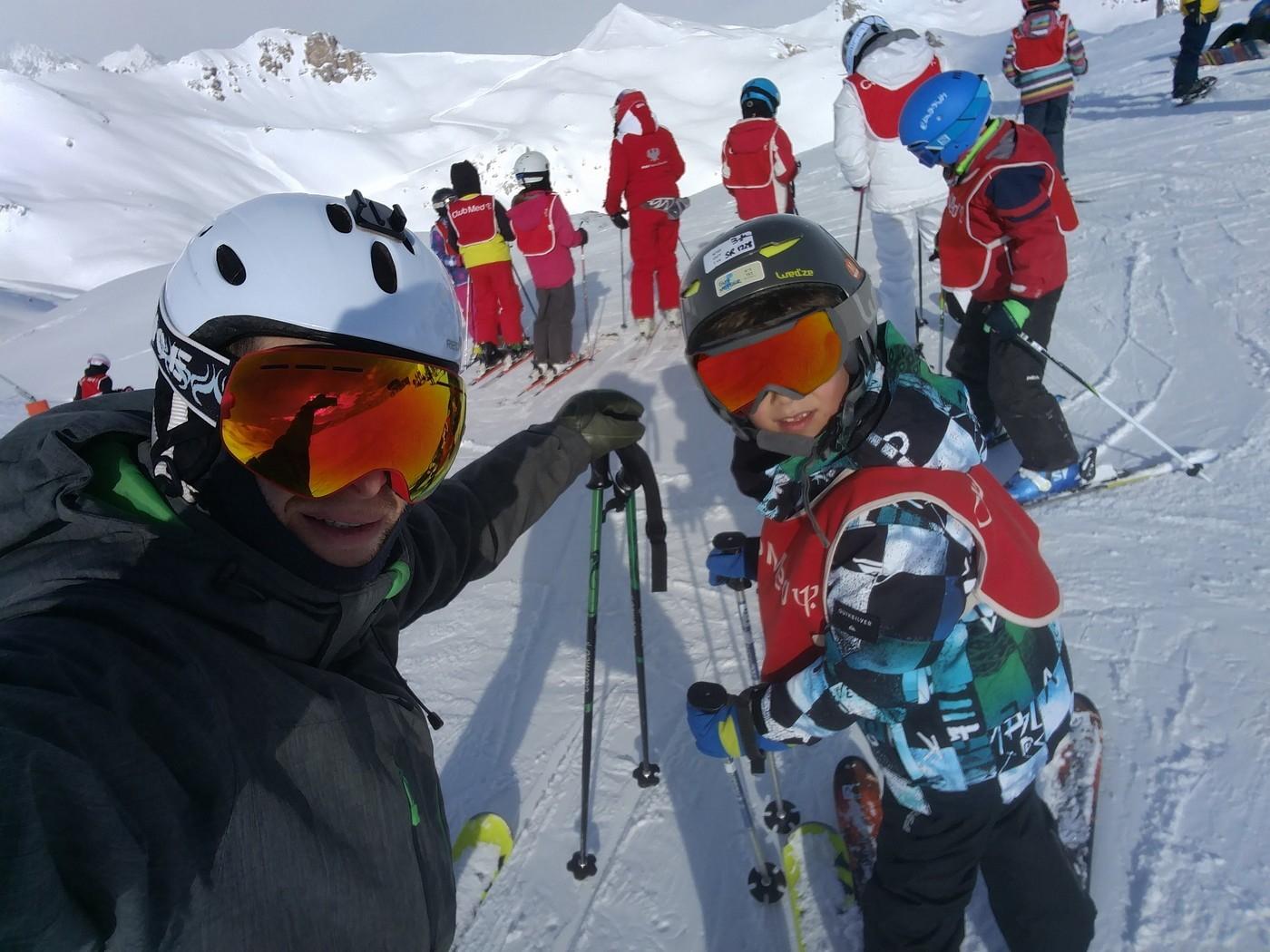 קלאב מד סקי עם ילדים