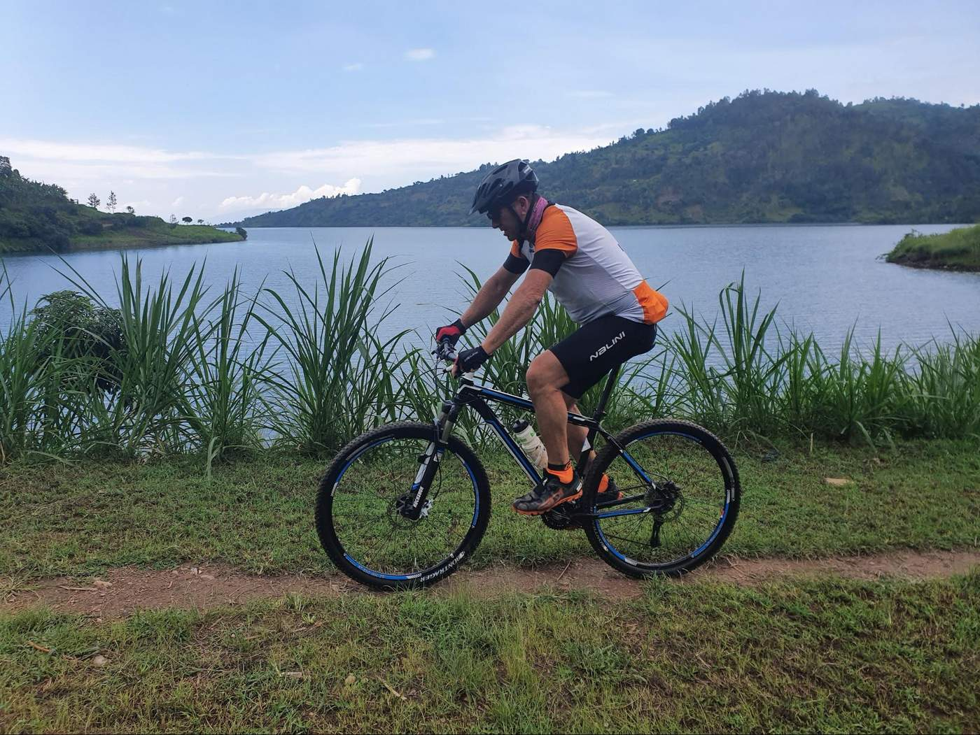 טיולים אגם קיבו רואנדה