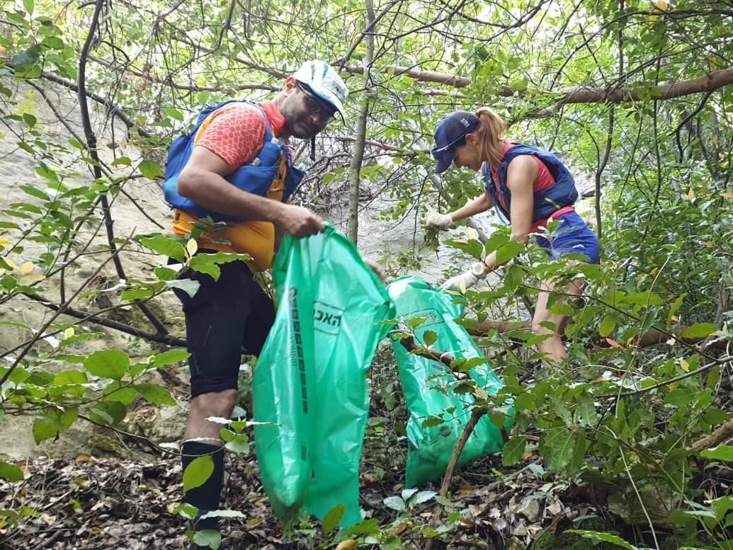 התנדבות באיסוף אשפה