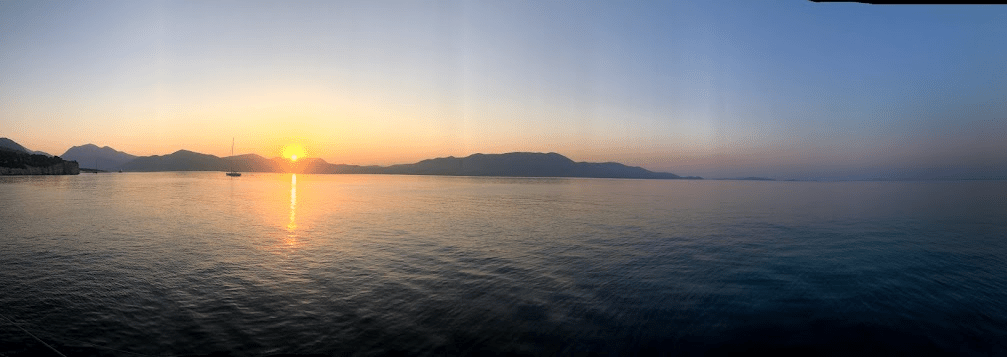 שקיעה מהיאכטה ביוון